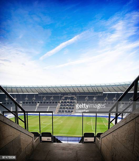 football arena - empty bleachers stockfoto's en -beelden