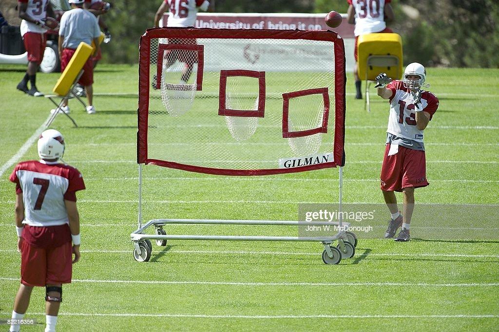 Arizona Cardinals Quarterbacks during Training Camp : News Photo