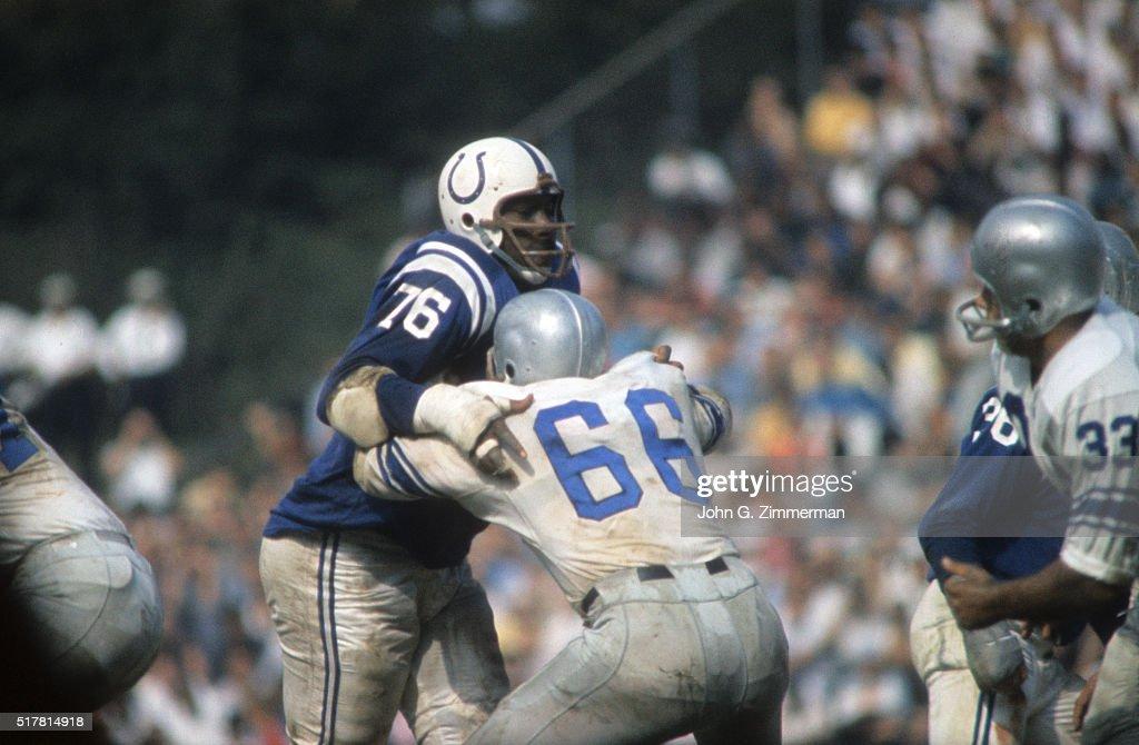 Baltimore Colts Eugene Lipscomb (76) in action vs Detroit Lions Harley Sewell (66) at Memorial Stadium. John G. Zimmerman X6214 )