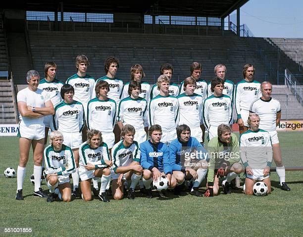 football Bundesliga 1976/1977 Borussia Moenchengladbach team presentation team shot behind fltr Dietmar Danner Wilfried Hannes Hans Klinkhammer Gerd...