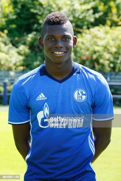 football Bundesliga 2016/2017 FC Schalke 04 team presentation for the game season portrait Breel Embolo