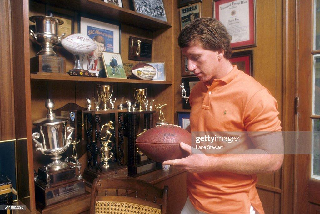 Archie Manning : News Photo