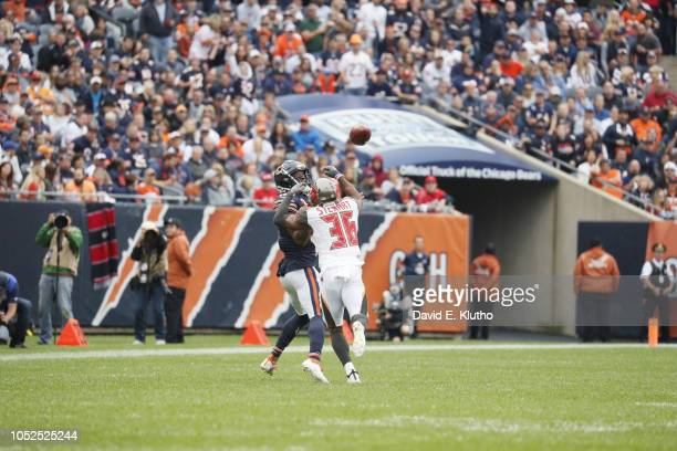 Chicago Bears Anthony Miller in action vs Tampa Bay Buccaneers MJ Stewart at Soldier Field Chicago IL CREDIT David E Klutho