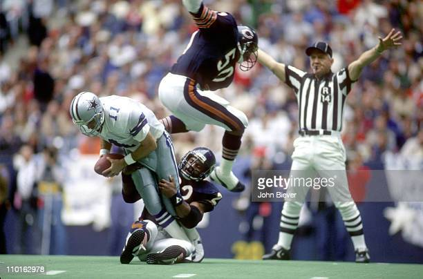Chicago Bears Dave Duerson and Mike Singletary in action defense Dallas Cowboys QB Danny White at Texas Stadium Cover Irving TX CREDIT John Biever