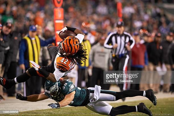 Cincinnati Bengals BenJarvus GreenEllis in action rushing vs Philadelphia Eagles Colt Anderson at Lincoln Financial Field Philadelphia PA CREDIT...