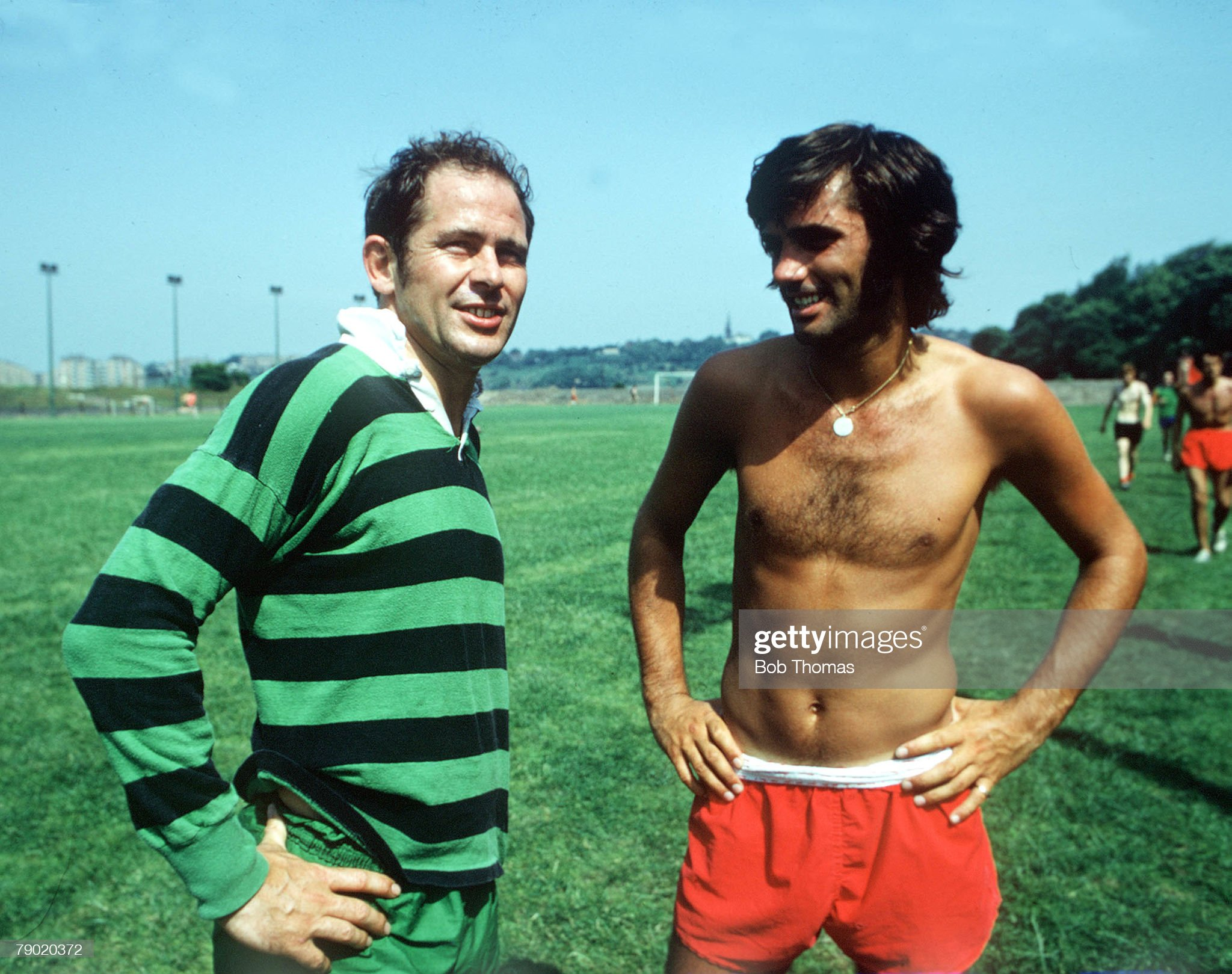 football-circa-1970-manchester-united-star-george-best-speaks-with-picture-id79020372