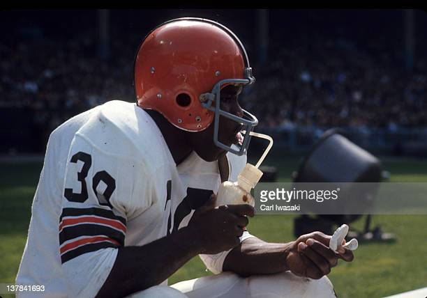 Cleveland Browns Ron Johnson on bench during game vs Washington Redskins at Cleveland Municipal Stadium Cleveland OH CREDIT Carl Iwasaki