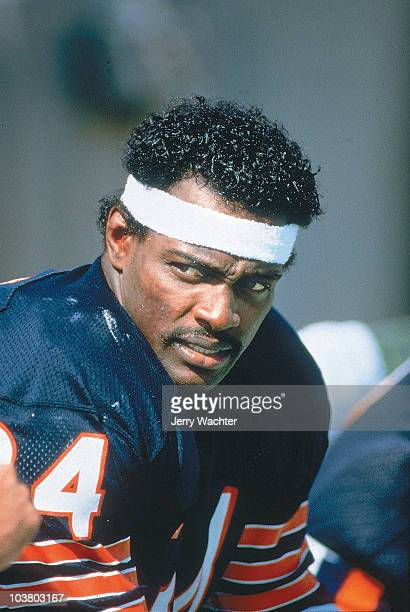 Closeup of Chicago Bears Walter Payton on sidelines during game vs Dallas Cowboys Cover Chicago IL 9/29/1984 CREDIT Jerry Wachter