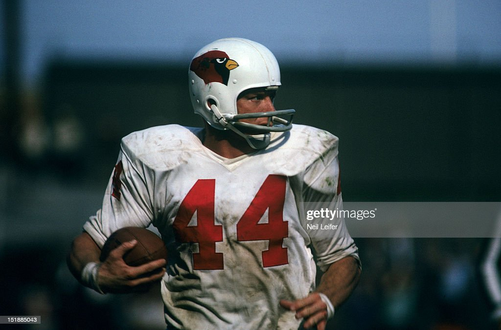 Closeup of St. Louis Cardinals John David Crow (44) in action vs Green Bay Packers at Milwaukee County Stadium. Neil Leifer X8729 )