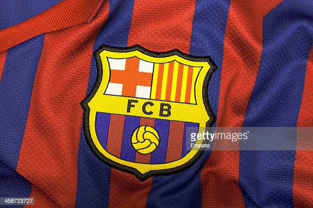 football club barcelona crest. - clubvoetbal stockfoto's en -beelden