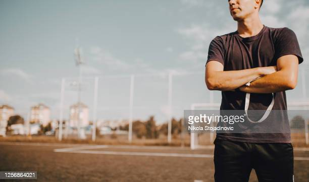 football coach coaching kids - sports league stock pictures, royalty-free photos & images