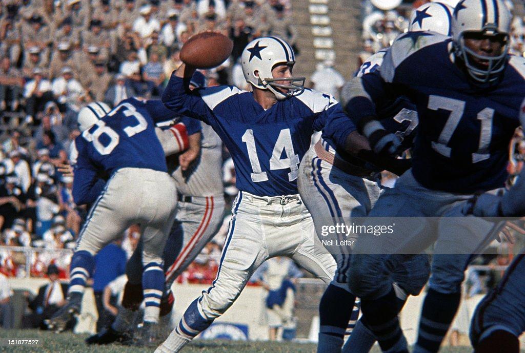 Dallas Cowboys vs New York Giants : News Photo