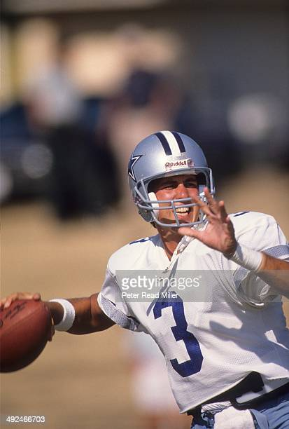 Dallas Cowboys QB Steve Walsh in action making pass during training camp at California Lutheran College Thousand Oaks CA CREDIT Peter Read Miller