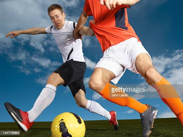 football defence - tackling stock pictures, royalty-free photos & images