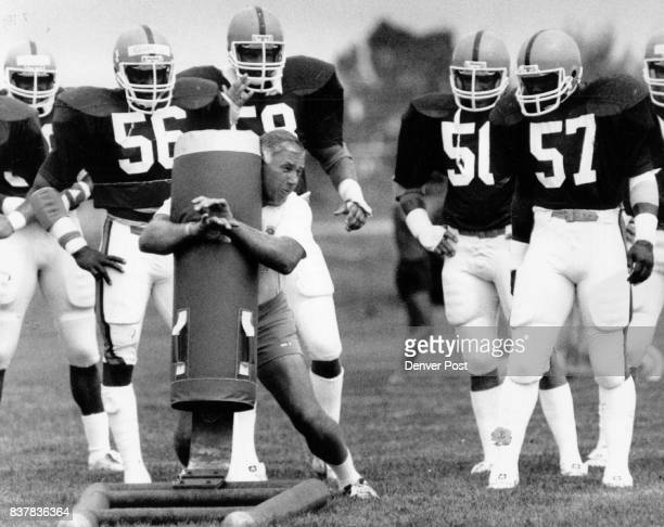 56 Larry Evans 58 Steve Busick 50 Bob Swenson 57 Tom Jackson Linebacker ocach Credit The Denver Post