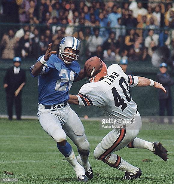 Detroit Lions Lem Barney in action returning punt vs Cincinnati Bengals Ron Lamb Detroit MI 9/27/1970 CREDIT Walter Iooss Jr