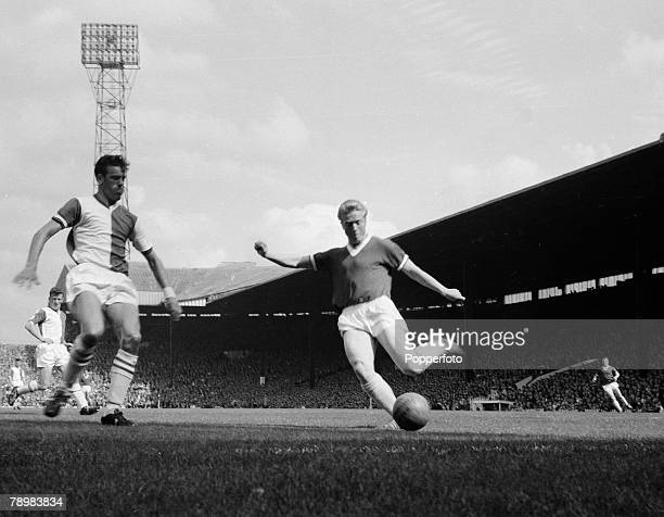Football English League Division 1 Circa 1960 Manchester United v Blackburn Rovers Manchester United's Albert Quixhall shapes to shoot as Blackburn's...