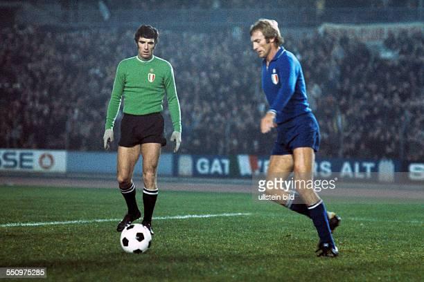 Football, European Champion Clubs Cup, Champions League, 1975/1976, last sixteen, first leg, Rhine Stadium Duesseldorf, Borussia Moenchengladbach...