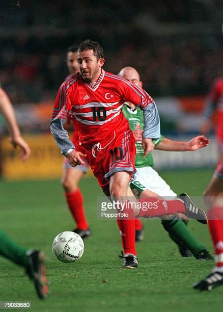 Football European Championships 2000 Play Off First Leg Dublin 13th November Republic Of Ireland 1 v Turkey 1 Turkey's Sergen Yalcin