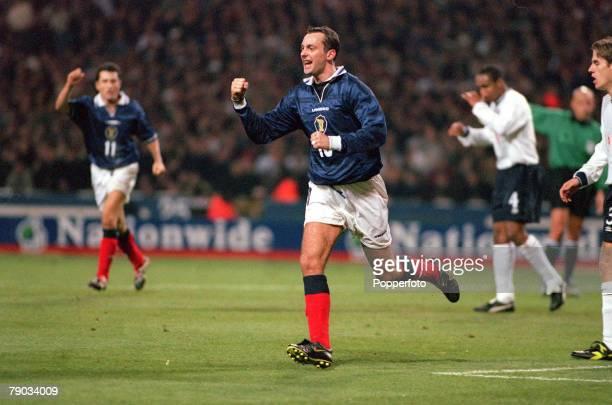 Football European Championships 2000 Qualifier Second Leg Play off Wembley 17th November England 0 v Scotland 1 Scotland's Don Hutchinson races away...