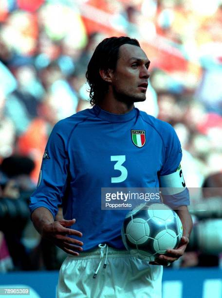 Football European Championships SemiFinal Amsterdam Arena Holland Italy 0 v Holland 0 29th June Italy Captain Paolo Maldini prepares to take a throwin
