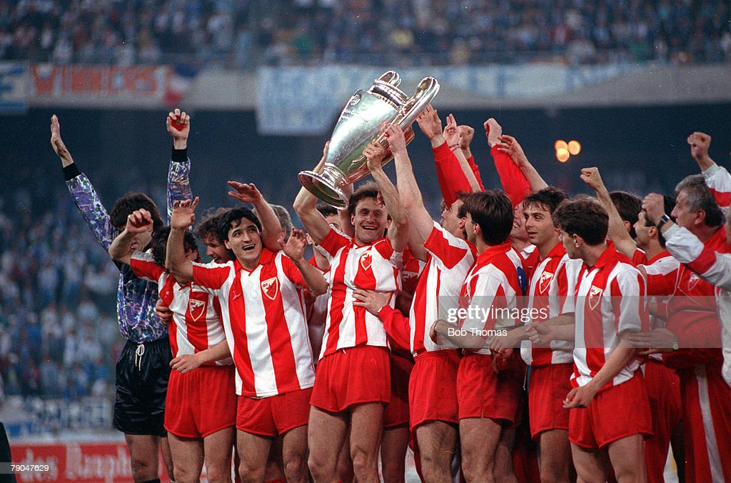 Football. European Cup Final. Bari, Italy. 29th May 1991. Marseille 0 v Red Star Belgrade 0 (after extra time, Red Star win 5-3 on penalties). The Red Star Belgrade team celebrate with the trophy. : News Photo