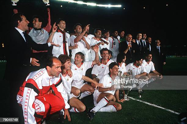 Football European Cup Final Nou Camp Barcelona Spain 24th May 1989 AC Milan 4 v Steaua Bucharest 0 The AC Milan players and officials celebrate with...