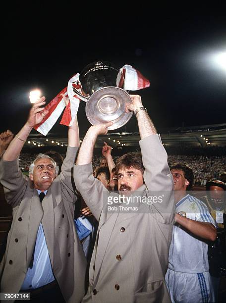 Football European Cup Final Stuttgart West Germany 25th May 1988 Benfica 0 v PSV Eindhoven 0 PSV manager Guus Hiddink holds the trophy aloft