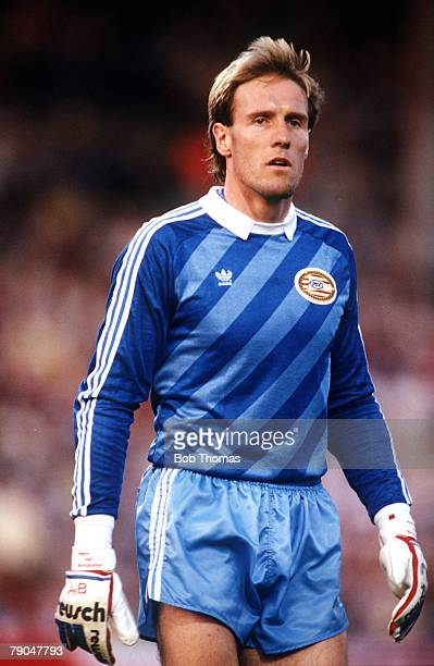 Football European Cup Final Stuttgart West Germany 25th May 1988 Benfica 0 v PSV Eindhoven 0 PSV goalkeeper Hans Van Breukelen