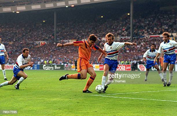 Football European Cup Final Wembley London England 20th May 1992 Barcelona 1 v Sampdoria 0 Barcelona's Julio Salinas causes problems for the...