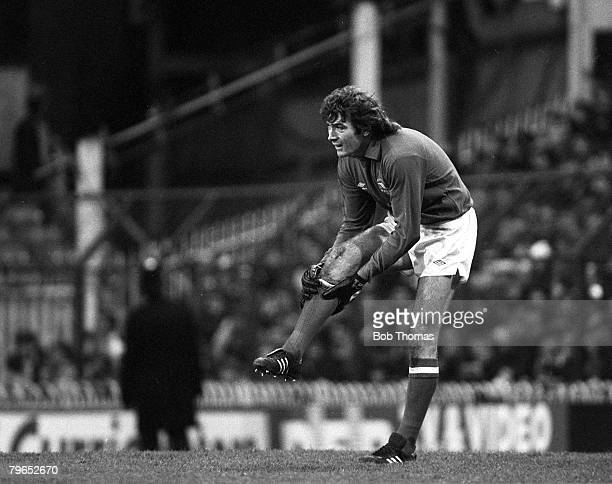 Football FA Cup Third Round London England 2nd January 1982 Tottenham Hotspur 1 v Arsenal 0 Arsenal goalkeeper Pat Jennings holds his right leg after...