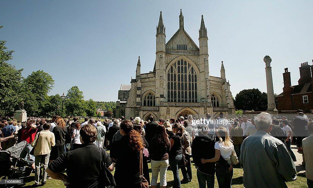 Funeral For World Cup Winner Alan Ball : Fotografía de noticias