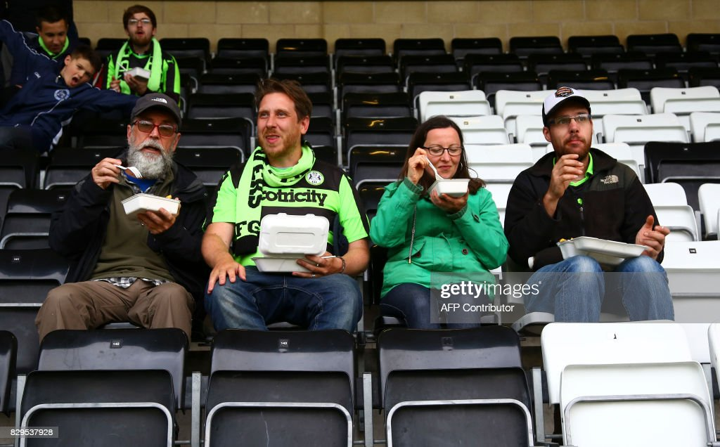 FBL-ENG-LCUP-FOREST GREEN-ENVIRONMENT-SPORT : ニュース写真