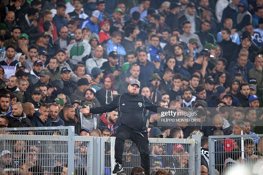 FBL-ITA-CUP-FINAL-FIORENTINA-NAPOLI : Photo d'actualité
