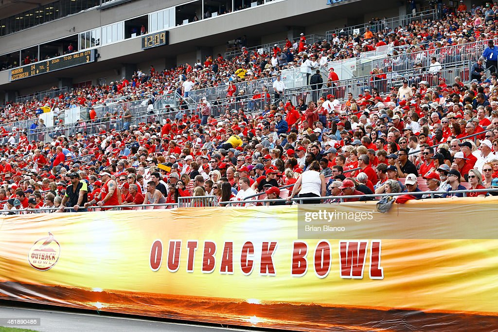 Outback Bowl Wisconsin v Auburn : News Photo