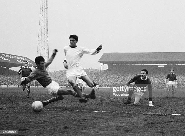 Football, February 1964, Oakwell, Barnsley, England, Barnsley v Manchester United, George Best evades Barnsley's Williamson before scoring Manchester...