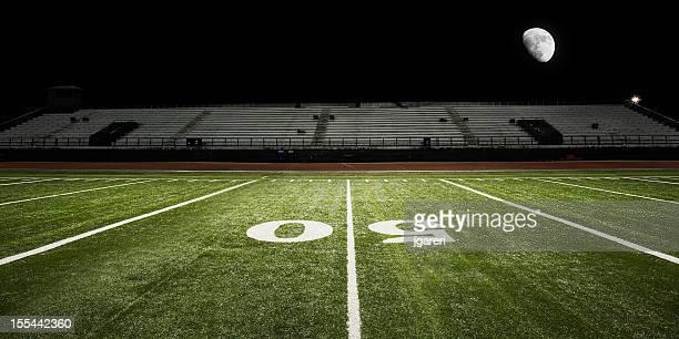 Terrain de Football américain en soirée