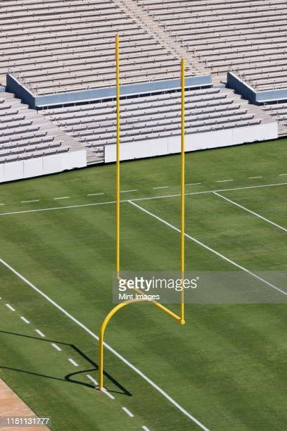 football field end zone - end zone stock pictures, royalty-free photos & images
