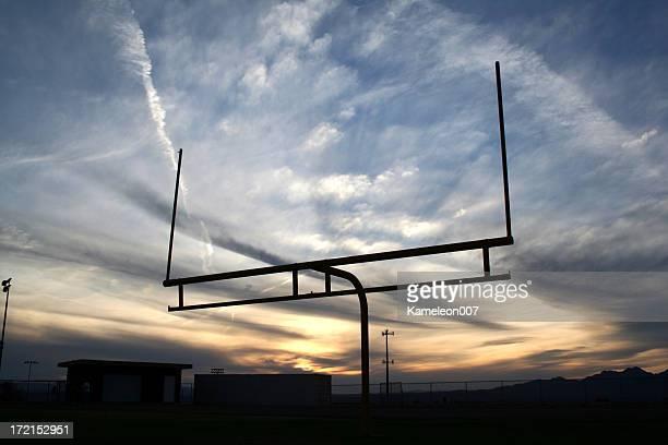 フットボール fieldgoal - アメリカンフットボールのフィールドゴール ストックフォトと画像