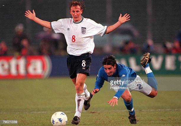 Football, Friendly International, Turin, 15th November Italy 1 v England 0, England's Ray Parlour spreads his arms wide to protest his innocence as...