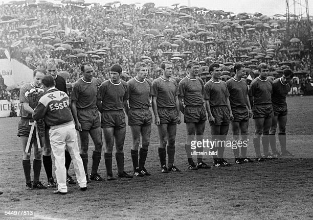 Football Germany Regionalliga 1967/1968 promotion match to the Bundesliga 1968/1969 RotWeiss Essen versus Hertha BSC Berlin 22 Stadium an der...