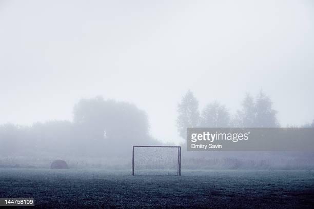 football goals - ausência imagens e fotografias de stock