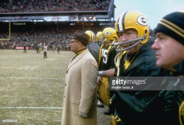 Green Bay Packers coach Vince Lombardi and QB Bart Starr on sidelines during game vs Los Angeles Rams Green Bay WI CREDIT Walter Iooss Jr