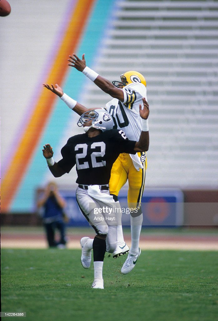 buy online 2b52c c3b5f Green Bay Packers James Lofton in action vs Oakland Raiders ...