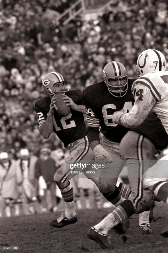 Green Bay Packers Jerry Kramer and QB Zeke Bratkowski : News Photo