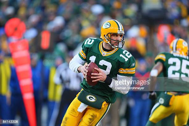 Green Bay Packers quarterback Aaron Rodgers in action vs Detroit Lions Green Bay WI CREDIT Damian Strohmeyer