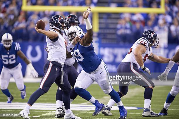 Houston Texans QB Tom Savage in action, passing vs Indianapolis Colts Ricky Jean Francois at Lucas Oil Stadium. Indianapolis, IN CREDIT: David E....