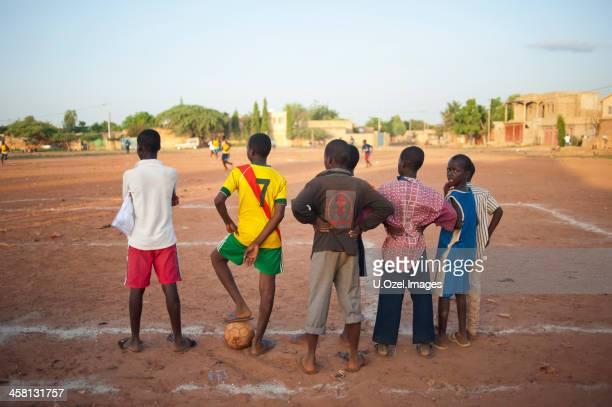 サッカーアフリカ - ブルキナファソ ストックフォトと画像