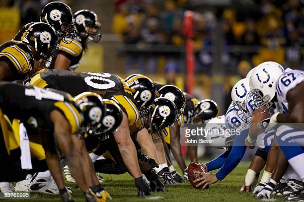 Indianapolis Colts Jeff Saturday in action, with ball at line of scrimmage vs Pittsburgh Steelers. Pittsburgh, PA 11/9/2008 CREDIT: John Biever