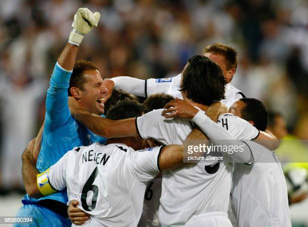 Football International 2010 FIFA World Cup Qualification Play Off November 14th 2009 New Zealand Bahrain Cheering New ZealandGoalkeeper Mark Paston...